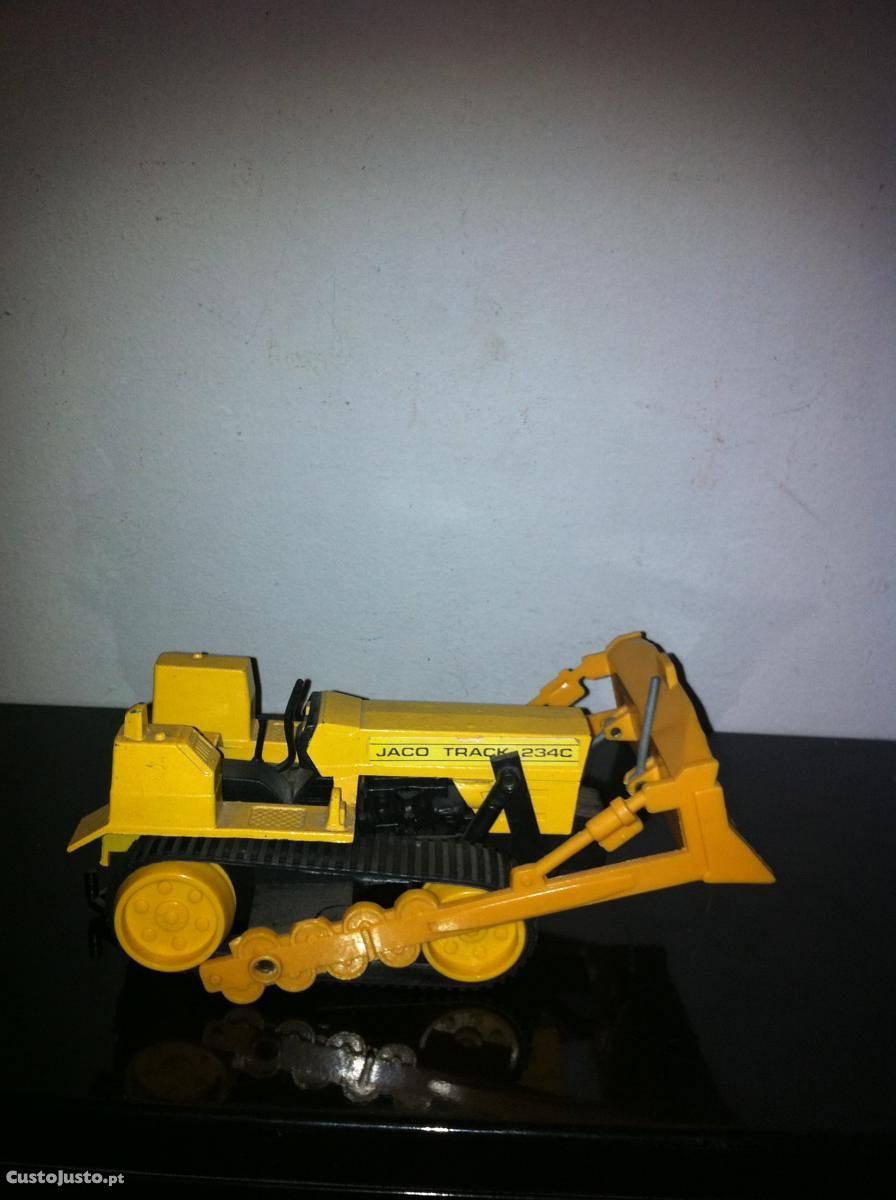 Maquina Lagarta Construçao Civil Da Marca Jaco