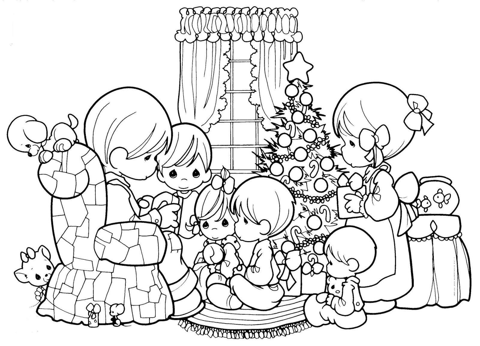 Desenhos De Arvores De Natal Para Colorir